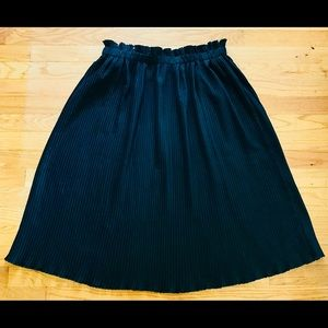 Anthropologie Pleated Black Midi Skirt L